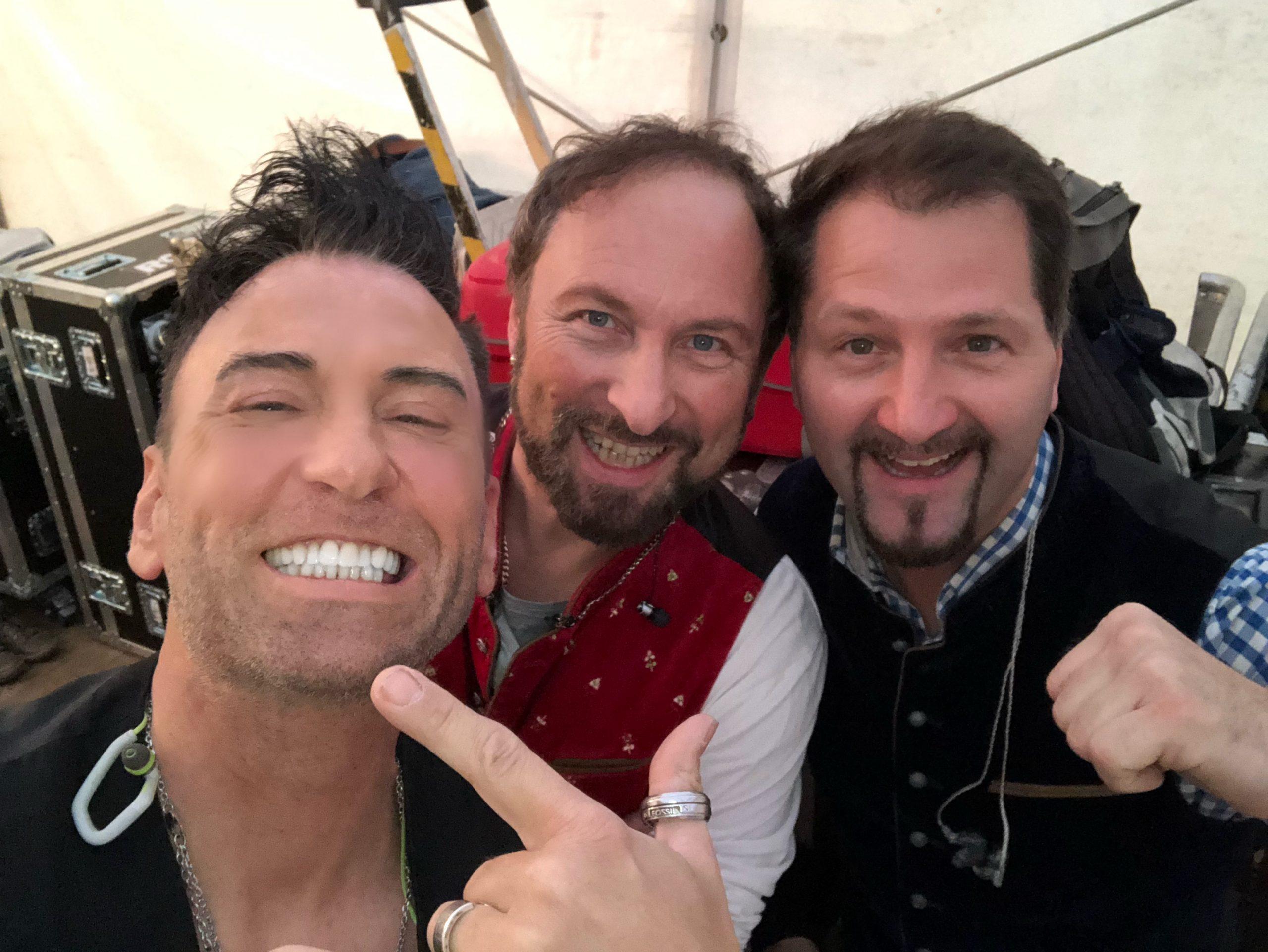 Vollgas Orchester Best of weiße Zähne